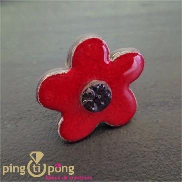 Bague fleur en céramique émaillée rouge et noire C. ALLOING