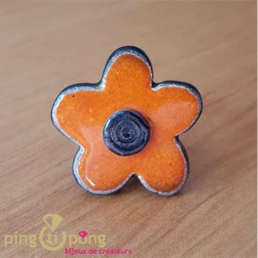 Bague de créateur fleur céramique émaillée orange C. ALLOING