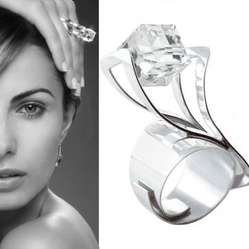Bague Twist en argent et cristal de Swarovski de Ostrowski Design