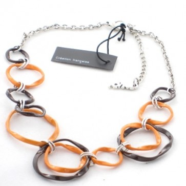 Collier en émail torsadé orange et gris