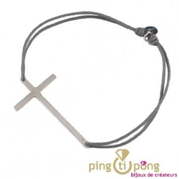 Bracelet lacette et grande croix en argent