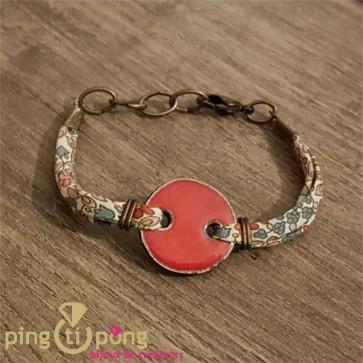 Bracelet tissu et cabochon en céramique