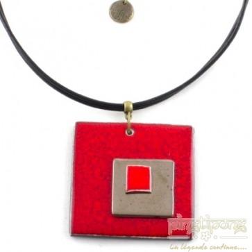 Collier triple carré de créatrice en céramique rouge feu