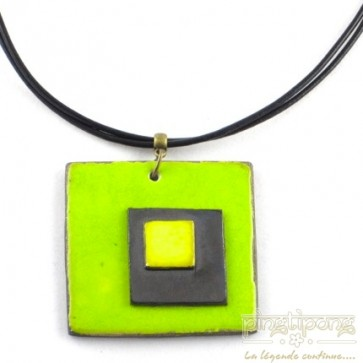 Collier triple carré de créatrice en céramique vert pomme