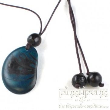 Collier écologique original en tagua bleu turquoise
