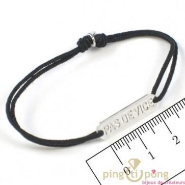 Bracelet à message en argent sur lacette