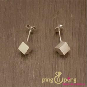 Bijoux en argent : Petites boucles d'oreilles du créateur Kelim Design cube 6 mm
