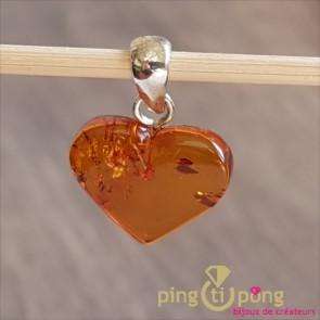 Pendentif coeur en ambre cognac de BALTICAMBRE