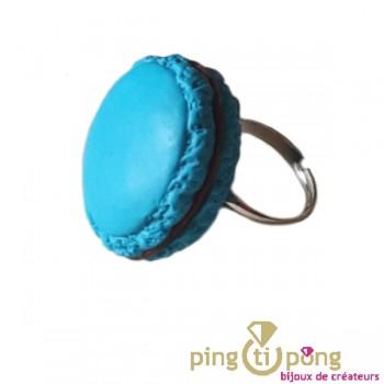 Bague Macaron bleu au chocolat MISS BONBON