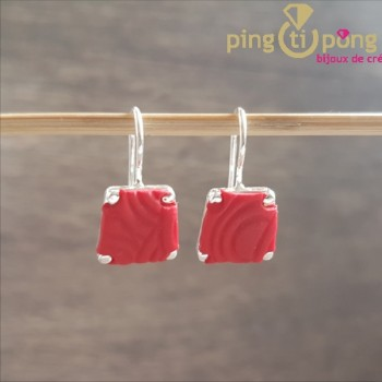 Boucles plaquées argent PASTACUITA trapèze rouge