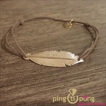 Bracelet en argent et or en forme de plume et fil de coton taupe - bijoux L'AVARE