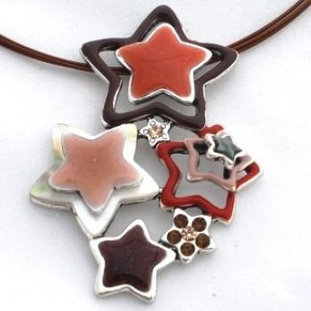collier d'étoiles marron