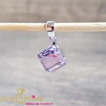 Pendentif cube violet SPARK