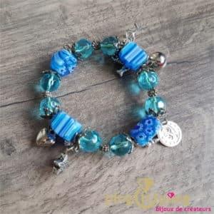 Bijou fantaisie : bracelet breloques en résine bleu de PINGTIPONG