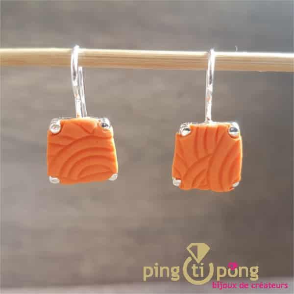 Bijoux originaux : Boucles trapèze argent et fimo orange de PASTACUITA