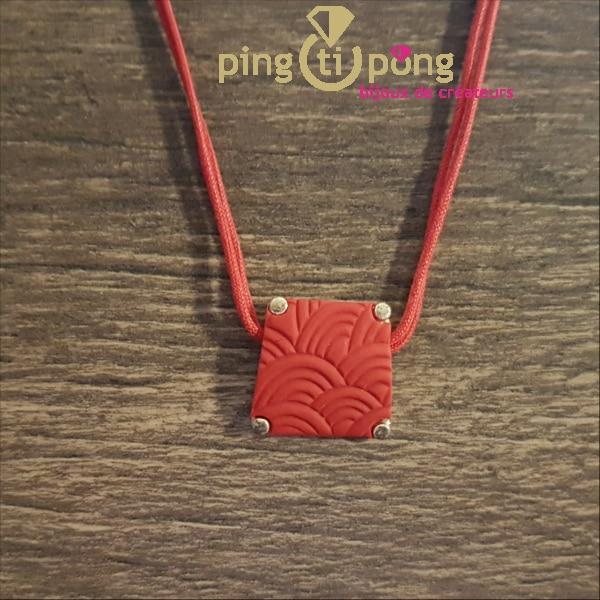 Bijou original : Collier argent, coton et fimo trapèze rouge de PASTACUITA