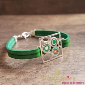 Bijoux originaux : bracelet cuir et motif argent et résine de Pastacuita