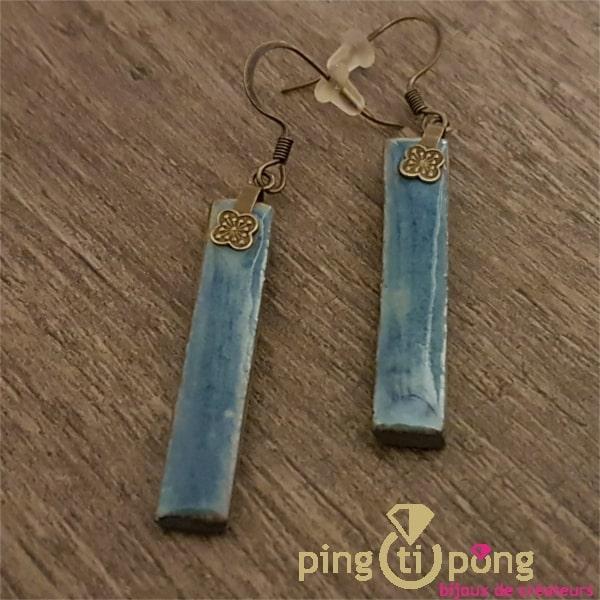 Boucles d'oreilles longues, de créateur en céramique et émail bleu métallisé-0
