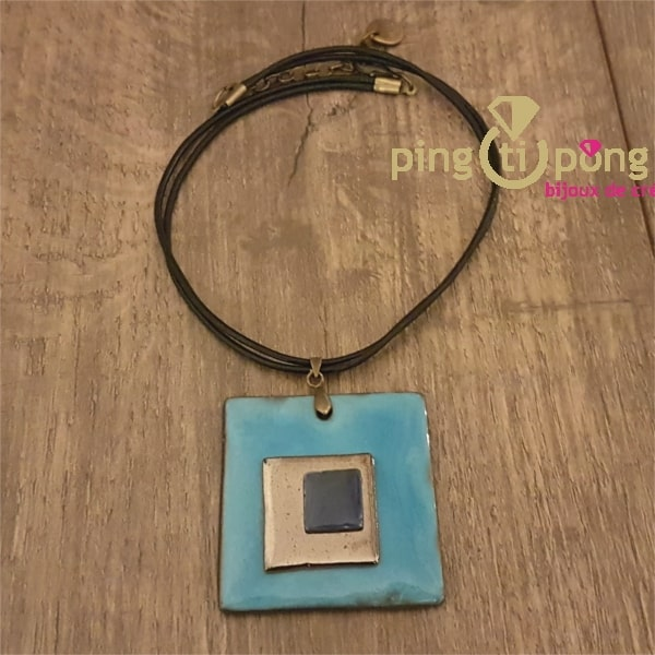 Collier carrés en céramique et émail bleu ciel de C. ALLOING-0