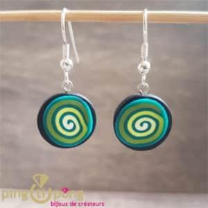 Boucles Fimo : Boucles pendantes spirales vertes PASTACUITA