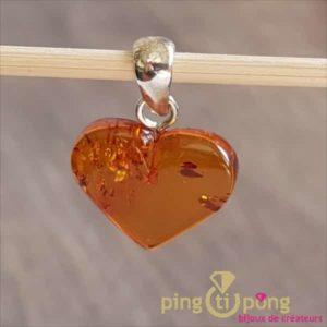 Pendentif coeur en ambre cognac de BALTICAMBRE-0
