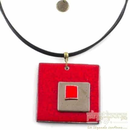 Collier en céramique émaillée rouge feu de la créatrice Christine Alloing