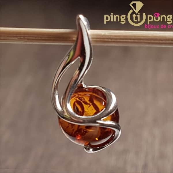Pendentif Balticambre perle d'ambre ronde soutenue par une spirale en argent.-0