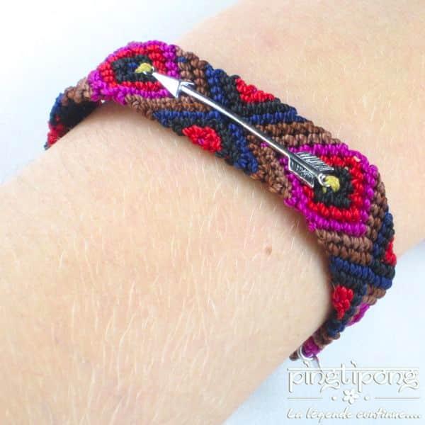 bracelet brésilien dans des tons rouges et noirs avec une flèche en argent massif de L bu L'AVARE