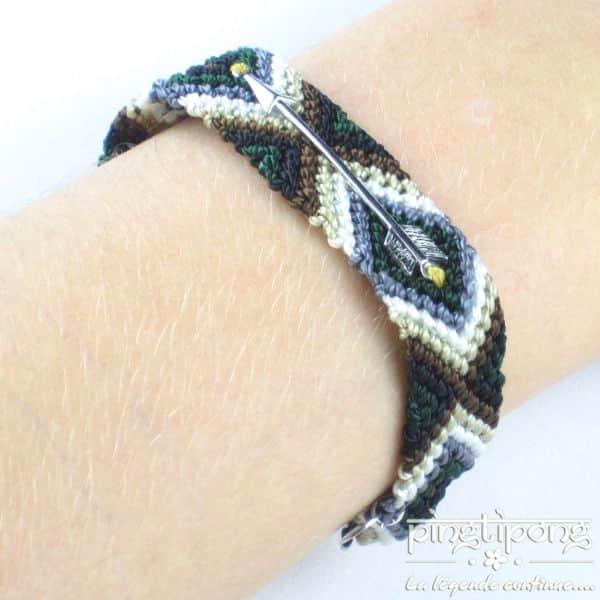 bracelets brésiliens vert canard, noir, marron, beige, blanc, gris, vert, noir avec flèche en argent L'AVARE