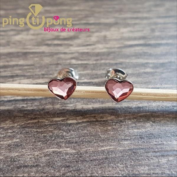 Bijoux en Swarovski : Boucles puces en argent rhodié et coeur rose de SPARK