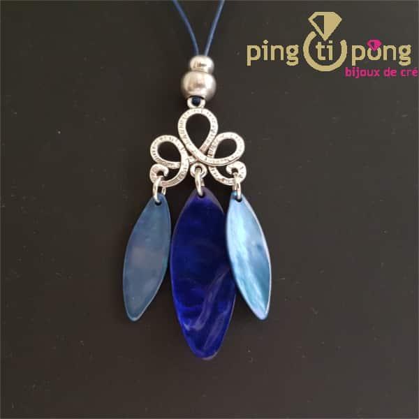 Motif olive bleu en nacre de La Petite Sardine sur collier en cuir ciré
