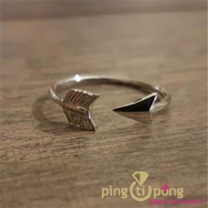bagues en argent forme flèche de L'AVARE bijoux