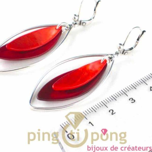 boucle d'oreille dormeuse en nacre orange et rouge cerise forme olive by La petite sardine bijoux