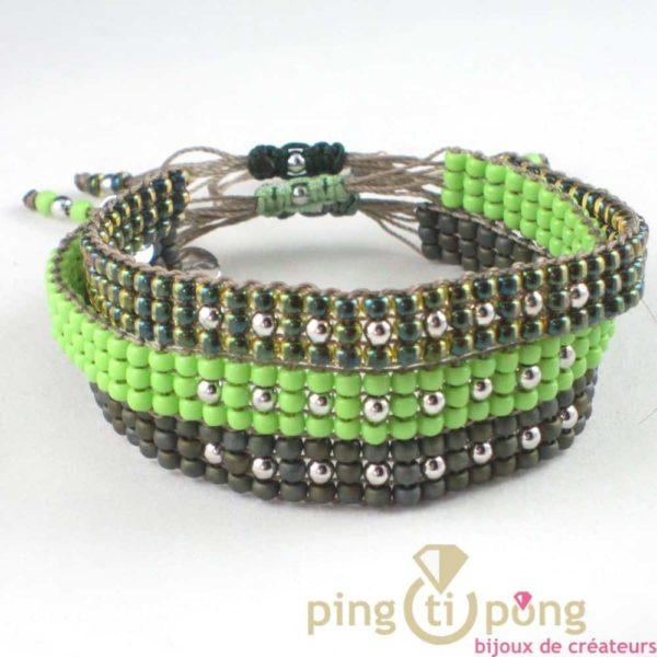 bijou L'AVARE - bracelet kaki en perles de toho et argent présenté avec 2 autres bracelets en toho