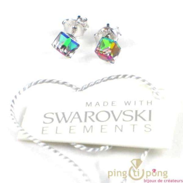 bijoux SPARK boucles d'oreilles cube en cristal de swarovski blanc à reflets multicolores