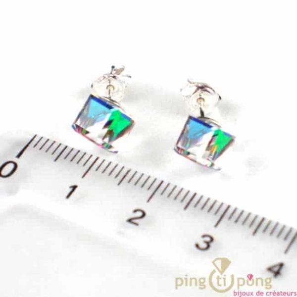 bijoux SPARK boucle d'oreille cube en cristal de swarovski blanc à reflets multicolores