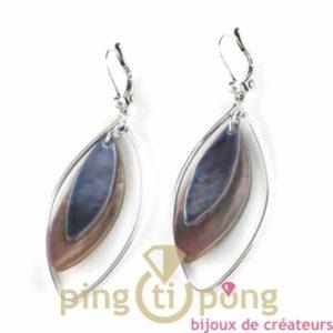bijoux en nacre-boucles d'oreilles en nacre grise bi-tons de La petite Sardine forme pétale