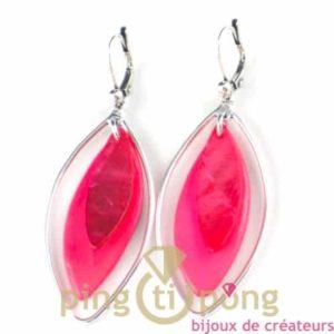 bijoux en nacre-boucles d'oreilles en nacre rose et rose fluo de La petite Sardine forme pétale
