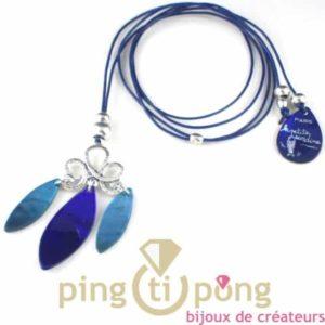 bijoux en nacre-collier en nacre bleu clair et bleu foncé de La petite Sardine forme pétale