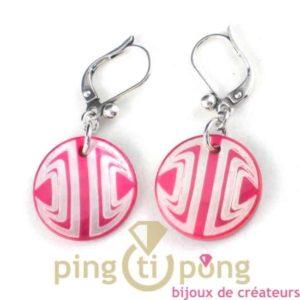bijoux en nacre-boucles d'oreilles en nacre rose mode sixties - seventies de La petite Sardine forme ronde