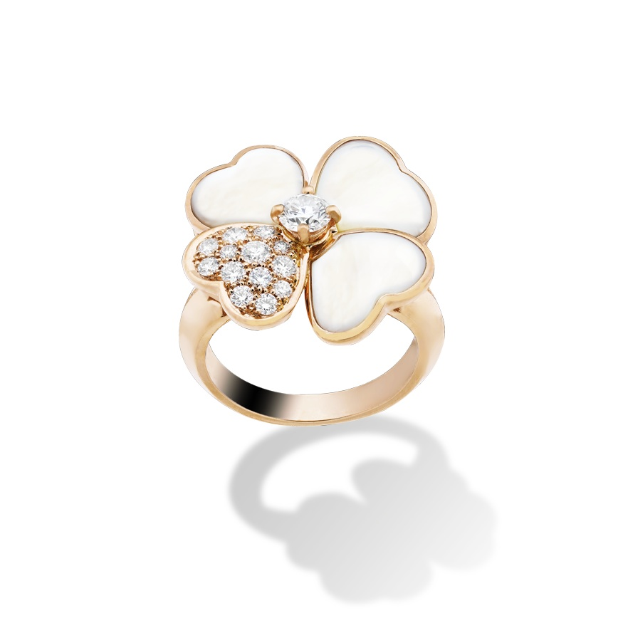 Bague en Or nacre et diamant de Van Cleef and Arpels
