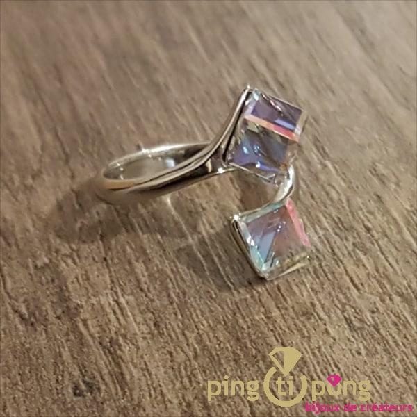 Bijou en argent rhodié : bague cubes en cristal de Swarovski SPARK