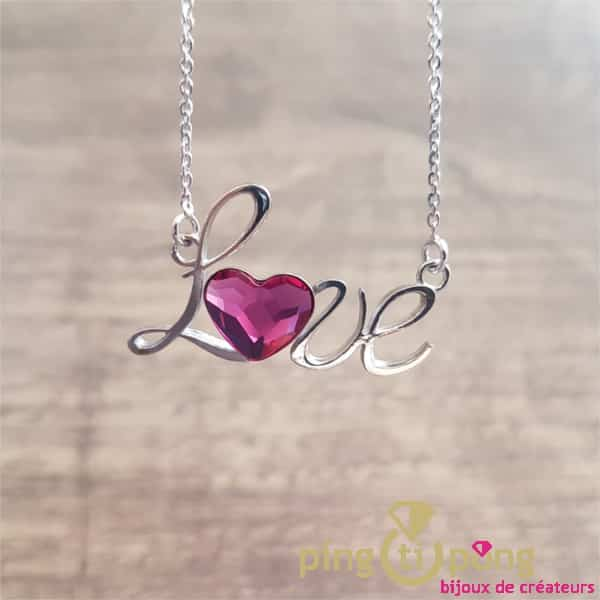 "Bijou original : collier ""LOVE"" en argent rhodié et coeur en cristal de Swarovski de SPARK"