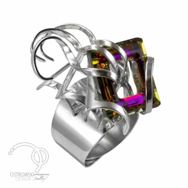 bague extraordinaire en argent 925 et cristal de Swarovski signée Ostrowski Design