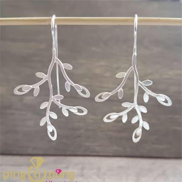 Bijoux originaux : Boucles arbres en argent 925 brossé de KELIM Design