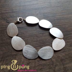 Bracelet en argent brossé de KELIM