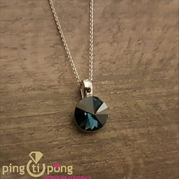 Bijou original : Collier en argent rhodié et cristal bleu de SPARK