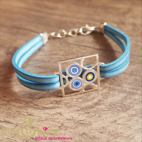 Bijou artisanal : Bracelet cuir motif vintage bleu PASTACUITA