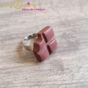Bijou gourmand : bague carrés de chocolat Pingtipong