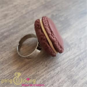 Bijou gourmand : Bague macaron chocolat Pingtipong